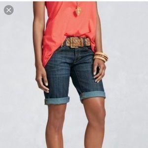 CAbi Bermuda Lou Jean Shorts, Medium Wash, size 4